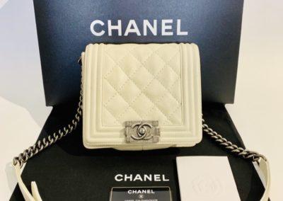 Chanel Boy käsilaukku